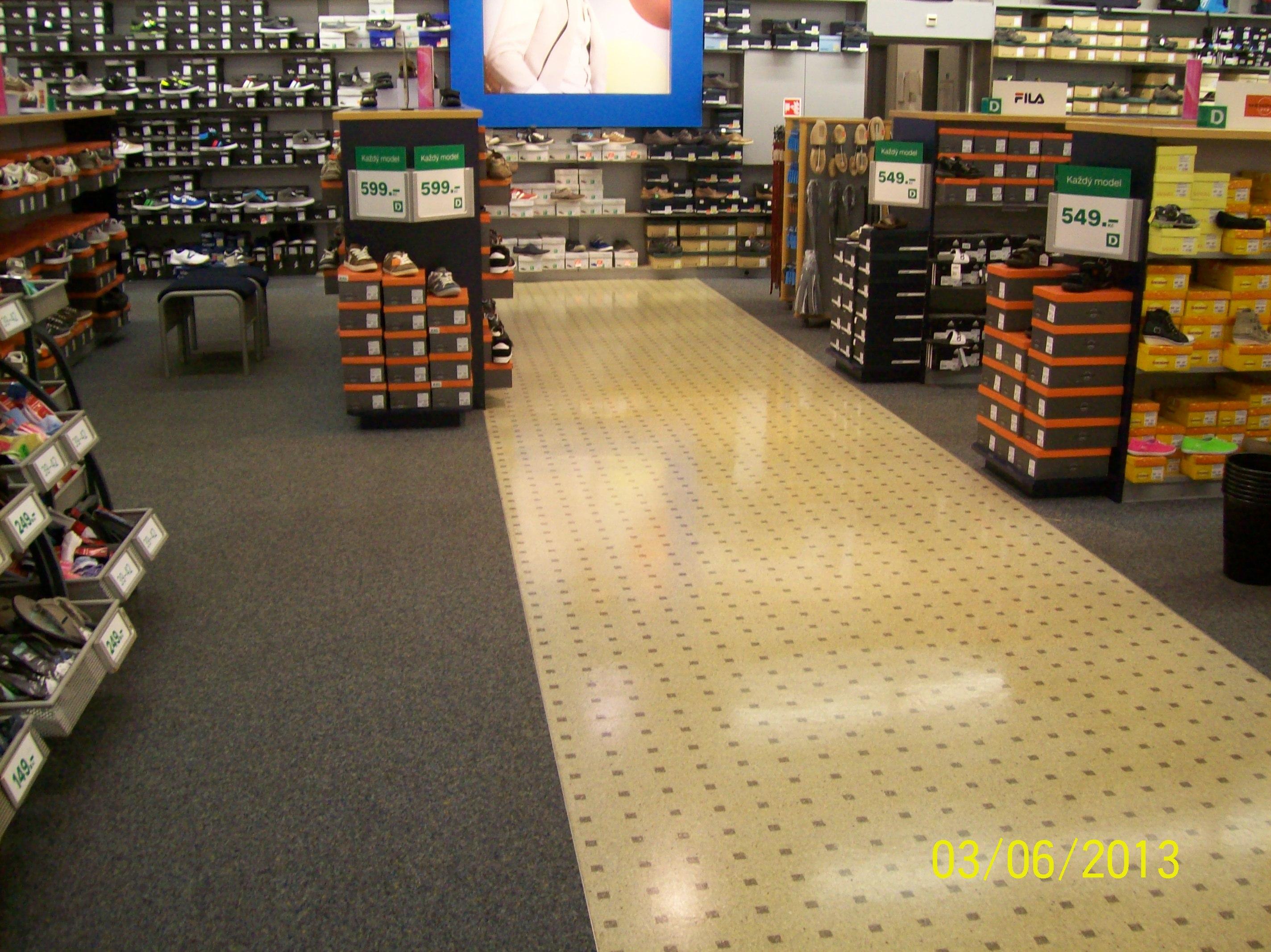 Čištění koberců, voskování podlah
