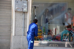 Mytí oken a výloh Praha 8