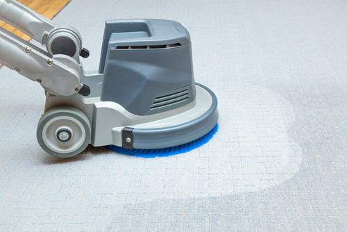 vyčistit koberec strojem Brno