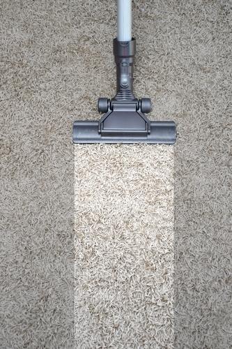 péče o světlý koberec